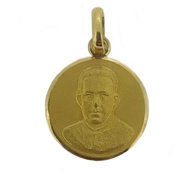 Medalla Padre Alberto Hurtado